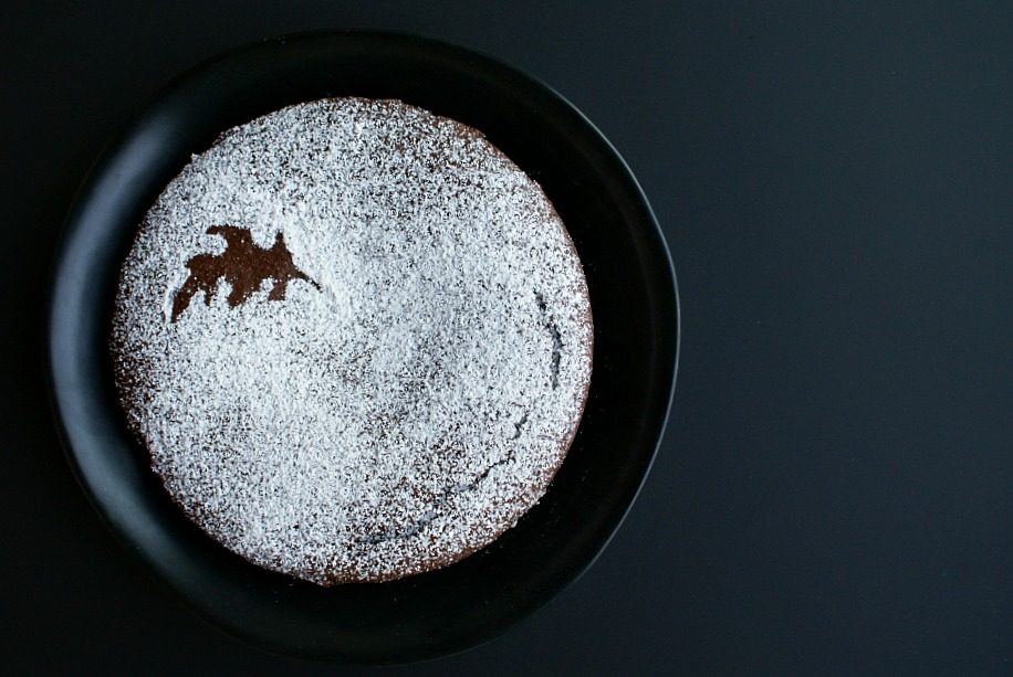 dark-chocolate-ancho-chile-cake-horizontal